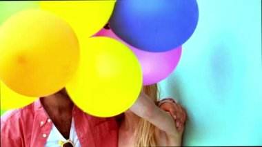 Happy couple with balloons — Stock Video