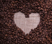Heart shaped coffee beans — Stock fotografie