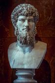 Venus griekenland standbeeld in louvre — Stockfoto