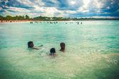 Детское плавание — Стоковое фото