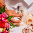 Wedding rings on sea shells — Stock Photo