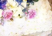 τριαντάφυλλα και χειροποίητο χαρτί — Φωτογραφία Αρχείου