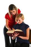 Studiujących dziewcząt — Zdjęcie stockowe