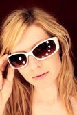 Girl with sunglasses — Stock Photo