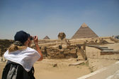 Sphinx and pyramids of Khafre — Stock Photo