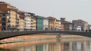 Arno river in Pisa — Stock Video