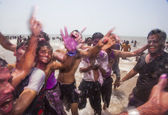 Celebrating Holi in Mumbai — Stock Photo