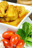 Spicy Pork Rib Curry with Tumeric Root Served with Fresh Vegetable, Tomatoes and Streamed Rice. — Stock Photo