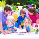 familia feliz en una fiesta de cumpleaños — Foto de Stock   #49279041