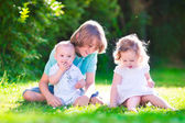 Happy kids in the garden — Foto de Stock