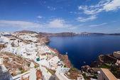 Santorini Island. Greece. Oia. White clay, white buildings. — Stock fotografie