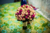 Beautiful pink and white roses, bridal bouquet — Stock Photo