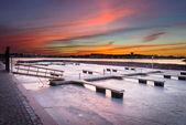 Dock congelé sur coucher de soleil — Photo