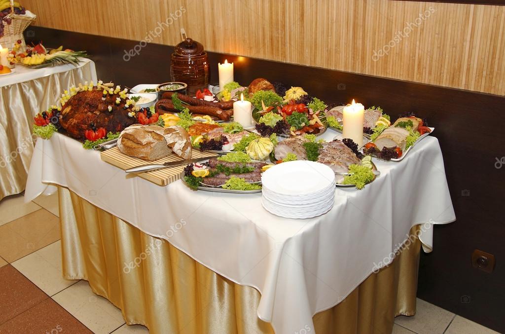 Viel essen auf dem tisch stockfoto digiartfoto 43505419 for Tisch essen