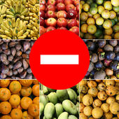 Food prohibited for import into the country. The round frame made of vegetables. Isolated on a white background — Stock Photo