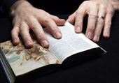 A man reading the Holy Bible — Stock Photo