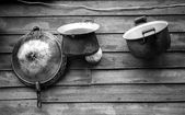 Kitchenware Old on Natural wood board — Stockfoto