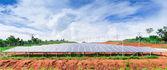 山の太陽エネルギーのパネル — ストック写真