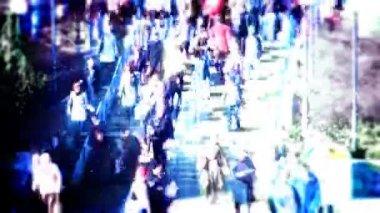 Folla di gente nella grande città — Video Stock