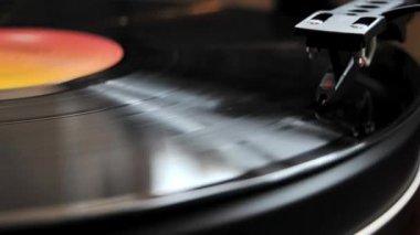 Vinyl record playing — Stock Video