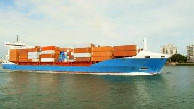 Lastfartygnákladní loď — Stockvideo