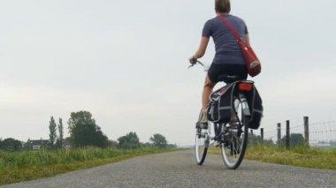 Bike riding girl — Stock Video