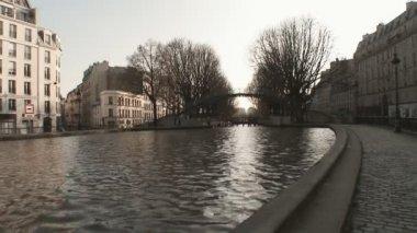 Paris st martin canal — Stok video