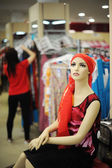 Mannequin in clothing store — Stock Photo