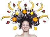 Linda menina com frutas — Fotografia Stock
