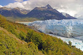 Perito Moreno Glacier and alpine landscape, Patagonia Argentina — Stock Photo