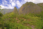 Iao Valley in the West Maui Mountains, Maui, Hawaii — Stock Photo