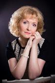 Güzel orta yaşlı kadın — Stok fotoğraf