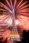 Famous fireworks near Eiffel Tower — Stock Photo
