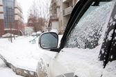 Car side mirror and door at the winter — Stock Photo