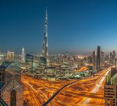 Burj Khalifa Interchange, Tallest Building in the world seen from Sheikh Zayed Road, DUbai, United Arab Emirates — Stock Photo