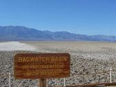 Badwater havzası ölüm vadisi — Stok fotoğraf