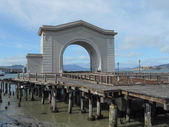 The Ferry Arch — Stock Photo