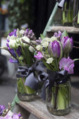 Bouquet of blue hyacinth in vase of glass. — Stock Photo