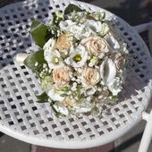 Beauty wedding bouquet of roses — Stock Photo