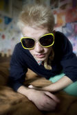 Young man with retro sunglasses. — Foto de Stock