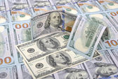 Neue und alte banknoten auf einem hintergrund von hundert dollar — Stockfoto