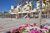 Contemporary outdoor shopping center in Kfar Saba, Israel — Stock Photo