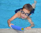 Boy in the Pool — Stock Photo