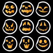 Caras de miedo de pegatinas de calabaza de halloween. — Vector de stock