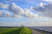 Westermeer dam on the coast of the IJsselmeer, The Netherlands — 图库照片