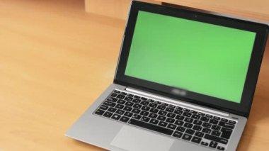 Notebook - green screen — Stock Video