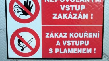 Safety warnings on the fuse box (Czech language) — Stock Video