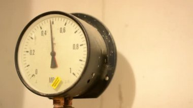 Gauge (meter) with white background — Stock Video