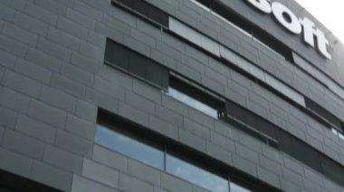 Sede microsoft - detalhe do edifício: sinal — Vídeo Stock