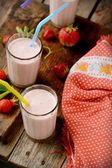 Healthy nutritious tropical smoothie with strawberries — Stock Photo